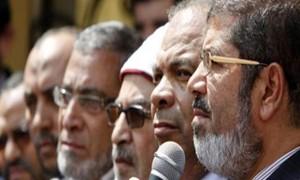 يبدو أن السماء سمعت هتاف المتظاهرين بأخذ مرسى و اللى معاه