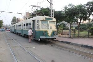 مترو مصر الجديدة كان وسيلة مواصلات صديقة للبيئة لهم حرم أخضر و لكن للمسئولين رأى آخر